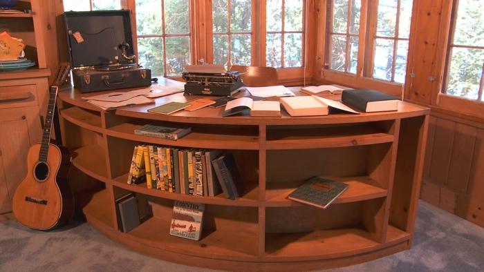 Sam S Desk